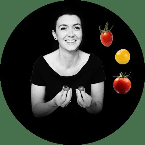 Portrait noir et blanc d'Anne-Claire, productrice de tomates cerise et tomates cocktail en région nantaise