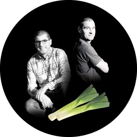 Portrait noir et blanc de Louis et Bertrand, producteurs de poireaux primeur au Potager de Jade